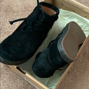 Brand new Ugg Boots Leather Upper Never Worn!